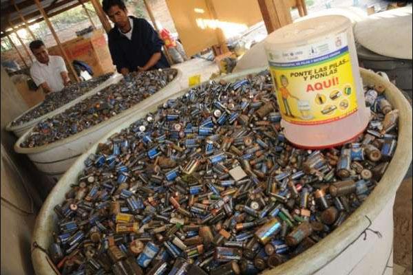 Qué daños a la salud provocan los elementos de las pilas